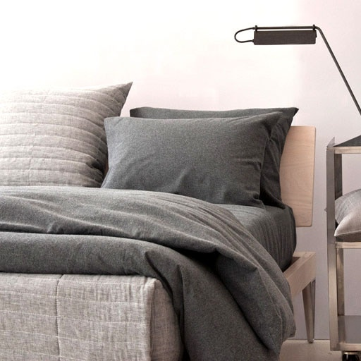 Bed Linens / Blankets / Pillows