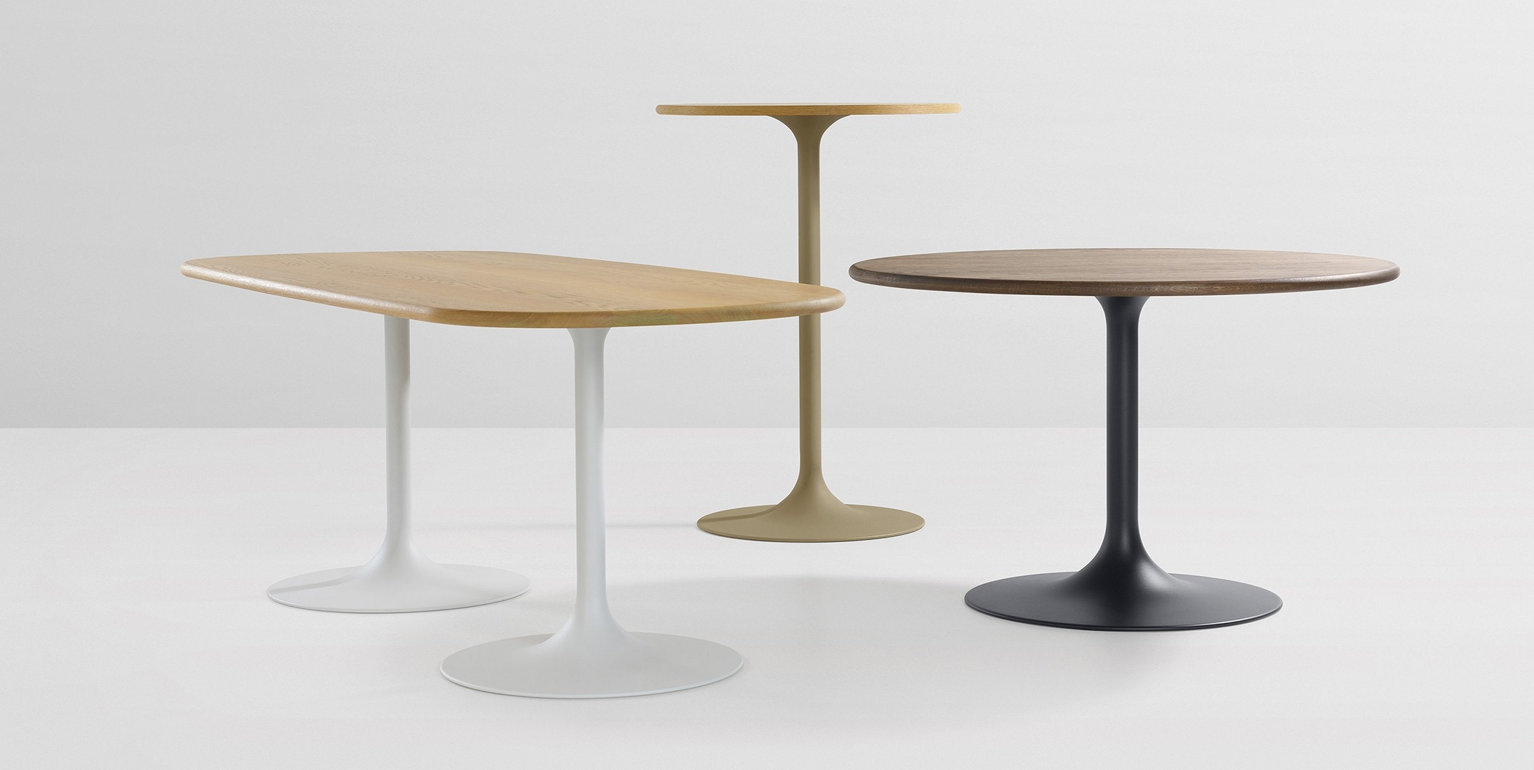 Artifort Clarion Table