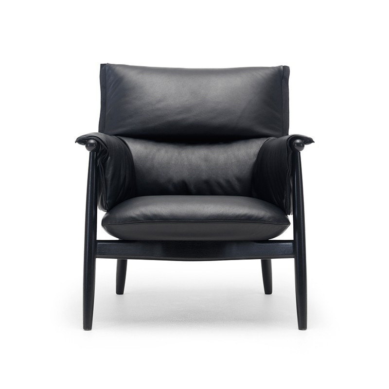 Carl Hansen & Son E015 Embrace Lounge Chair
