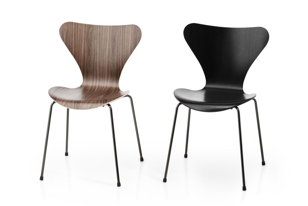 Fritz Hansen Series 7™ Chair (Laminated)