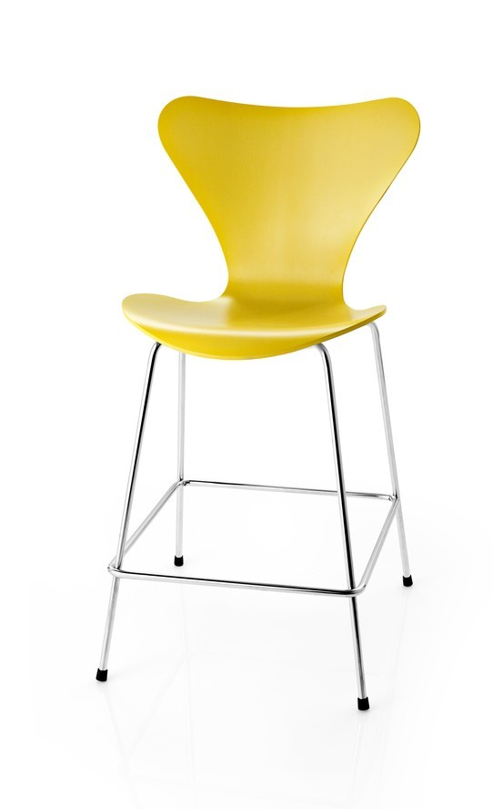 Fritz Hansen Series 7™ Bar/Counter Stool (Laminated)