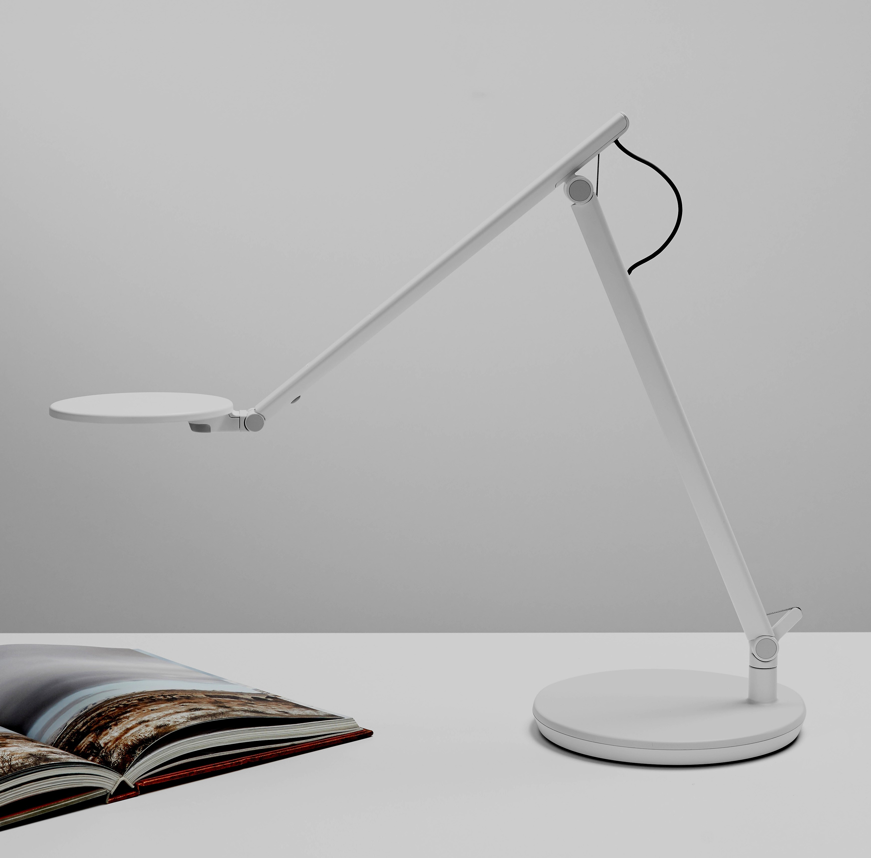 Humanscale Nova Task Light